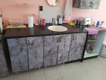 Sudopere - Srbija: Očuvana kuhinja sa malim bojlerom, sudopera, česma