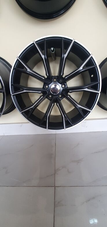 bmw-5-серия-518i-4mt - Azərbaycan: BMW f10 üçün 20 lik disk. Disk təzədir. Təkərlə 2000 di