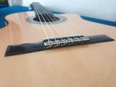 adlı - Azərbaycan: Original Alhambra Flamenco Gitar F5. Çox az işlənib yenidən seçilmir