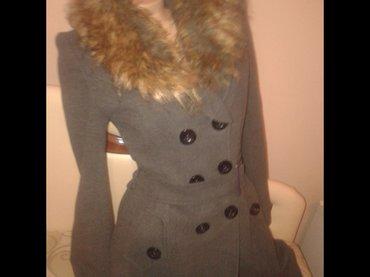 Ženska odeća | Boljevac: Chanel kaput. 40broj. Tamno sivi,mocan. Krzno se skida. Ni tri puta ga