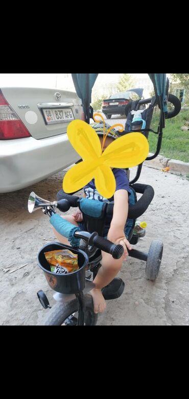 Детский мир - Сокулук: Срочно продаётся велоколяскапочти новыйнигде не сломана, ребёнок