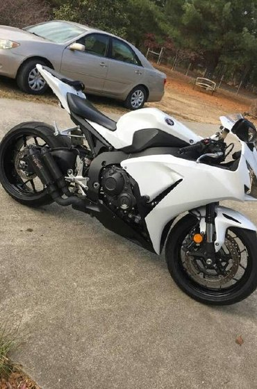 Athens şəhərində 2017 Suzuki and Honda sport GSX-R750  available   Condition: