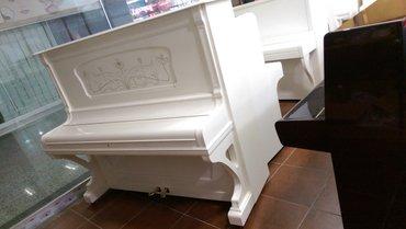 Bakı şəhərində Becker piano - almaniya istehsalı antik piano.
