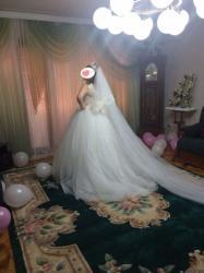 uzun gec paltarlari - Azərbaycan: Gelinliyi Turkiyeden 1200$ almisham . Prenses modeldir. 2 fatasi (1-i