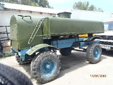 Бочка для фермерского хозяйства на новом прицепе емк. 3т, чистая