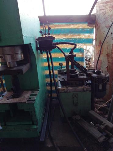 шредеры 11 в Кыргызстан: Гидровлический пресс с маслостанцией 40 тонн, электродвигатель 11 кил