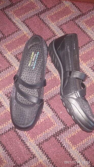 Личные вещи - Чолпон-Ата: Skechers оригинал .новый 39 размер. Подошва фоам мемори. Кожа и ткань