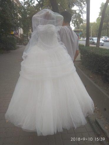 Продаю классное свадебное платье в Бишкек
