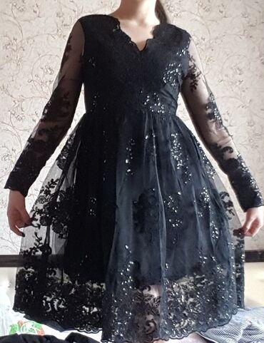 Платье новое, подойдет на 42 и 44 р. Очень красивое и нарядное платье