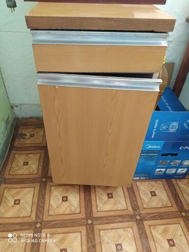 Продаю кухонный шкаф-пенал тумбочки