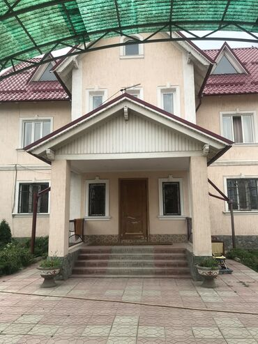 теплый гараж аренда в Кыргызстан: 450 кв. м, 15 комнат, Гараж, Утепленный, Теплый пол