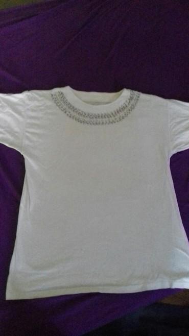 Boje-zenska - Srbija: Prelepa zenska bluza, bele boje, kvalitetan pamuk. Velicina L