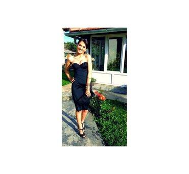 -Prelepa mala crna haljina koja odise elegancijom,i seksipilom. Top - Novi Sad