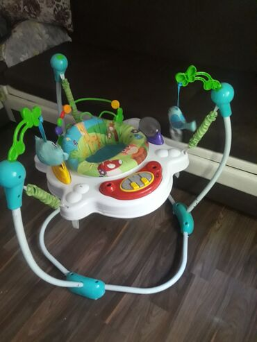 Продаю музыкальные прыгунки для малышей в хорошем состоянии
