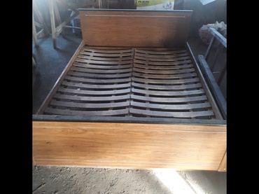 Кровать в очень хорошем состоянии продаю вместе с матрасом цена 3000  в Бишкек