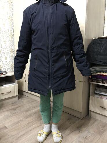 шикарное маленькое черное платье в Кыргызстан: Продаётся зимняя куртка, очень тёплая, 48-50 размер, идеальное