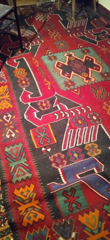 xalcalar ve qiymetleri в Азербайджан: Qedimi xalcalar ve xali satilir. qiymeti razilaşma yolu ile