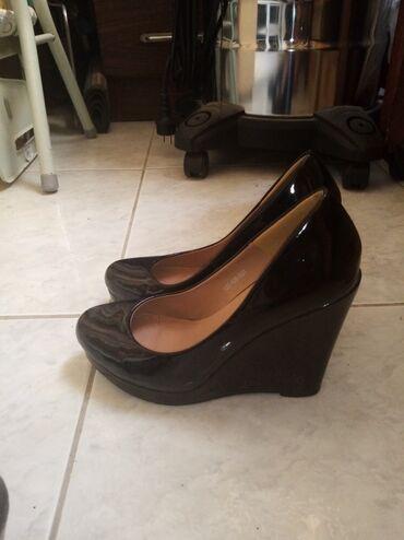 36 - Ελλαδα: Παπούτσια γυναικεία από 6-12 ευρώ. Μεταχειρισμένα σε πολύ καλή