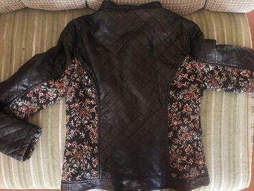 Куртка мягко кожаная, качество и состояние отличная, турецкий бред