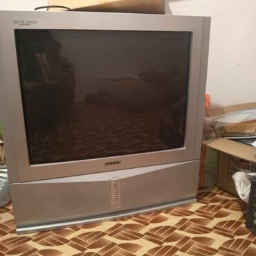 В Карабалте, продается большой телевизор диаг 72, заводской брак нет