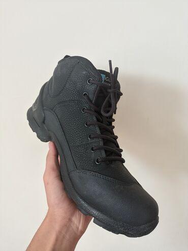 Зимние ботинки размер:42-43 kajila originalсостояние новой парыпродаю