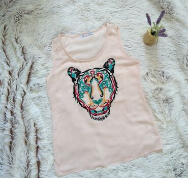 Kosulja print - Srbija: Puder roza majica sa printom tigra, kao nova.Pazuh 47 cm, duzina 65