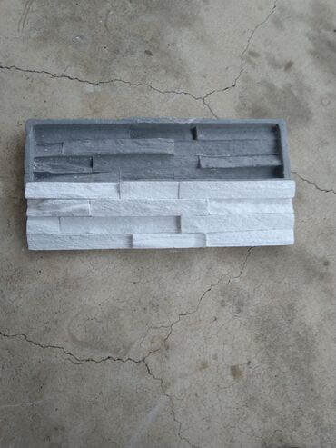 Kalup za dekorativni kamen, napravljen od silikona i