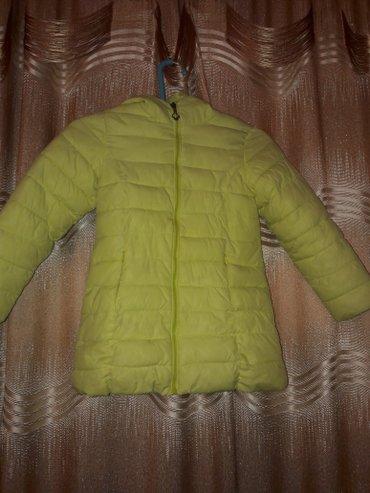 Курта деми на девочку 5-6 лет. состояние хорошее. 98 см в Бишкек