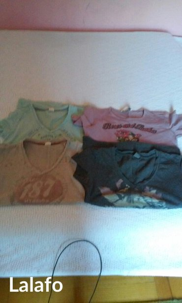 Cetiri-majice - Srbija: Prelepe pamucne majice,cetiri komada,velicina m,cena za sve