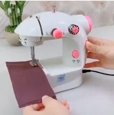 Электро швейная машинка - Кыргызстан: Мини швейная машинка   Товар в наличии   Шьёт абсолютно все   Цена 190