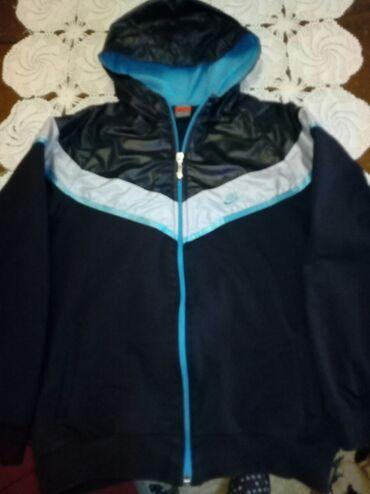 Trenerka ili jaknica za 10 godina ili br.140/146-predivna