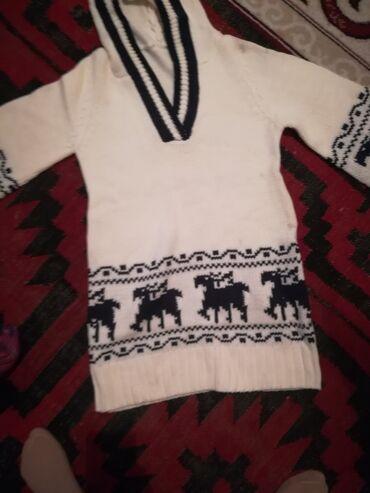 джемперы в Кыргызстан: Продам новый джемпер туника.белый и синий.размер 42 &44.штук 400