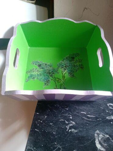 Korpe   Srbija: Drvena kutija za voce. uljane boje. moze se prati