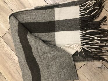 Тёплый широкий шарф