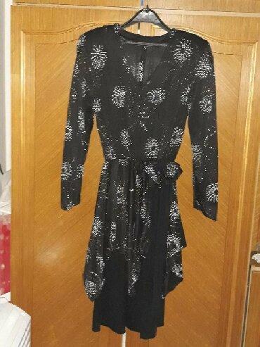 Haljine   Pozarevac: Svecana haljina sa cirkonima,par puta obucena,donesena iz Madjarske,sa