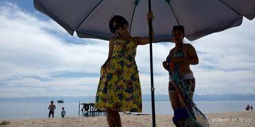 Платья в Токмак: Продаю классное платье, цена 700с срочно