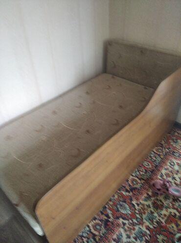 Односпальные кровати - Кыргызстан: Софа в отличном состоянии