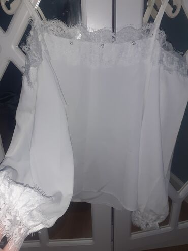 Рубашка по 450сом Качество:отличное  Размер:48