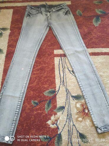 Очень много разных фасонов брюк .цены разные .так же есть оптом на