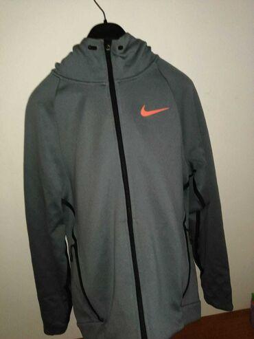 Austin montego 2 t - Kula: Nike therma sphere hoodie nošen 2 puta prodaja zbog veličine piše m al