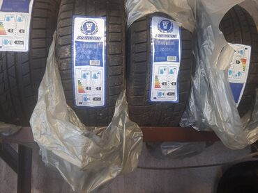 шины 205 55 r16 в Кыргызстан: Продам новые зимние шины 205/55/R16 (комплект). Только есть этот