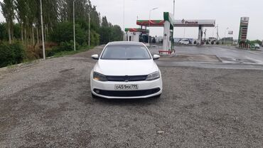 Транспорт - Кадамжай: Volkswagen Jetta 1.6 л. 2014   330000 км