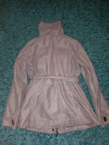 Siva jakna - u dobrom stanju (samo se pozadi na rukavima odsila, svako - Kraljevo