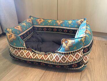 Belo krem stepena - Srbija: Kreveti za pse u dimenzijama:50x35,60x40 i 70x45.Krevet se pere u