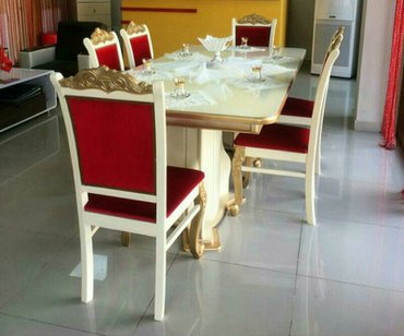 Bakı şəhərində Masa ve oturacaqlar,cesidler coxdur. Catdirilma ile birlikde