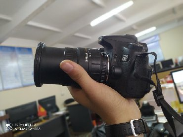 canon 60d body в Кыргызстан: Canon 60D сатылат 20 000сом. Түшүп беребиз.Зарядник, переходник(USB)