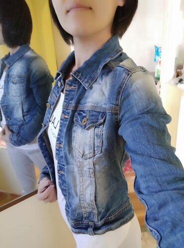 Продаю джинсовую куртку, размер S-M, в очень хорошем состоянии. Куртка