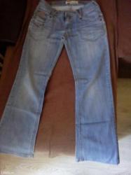Letnje farmerice iz turske 2/3puta obučene male su mi pa ih prodajem - Kikinda