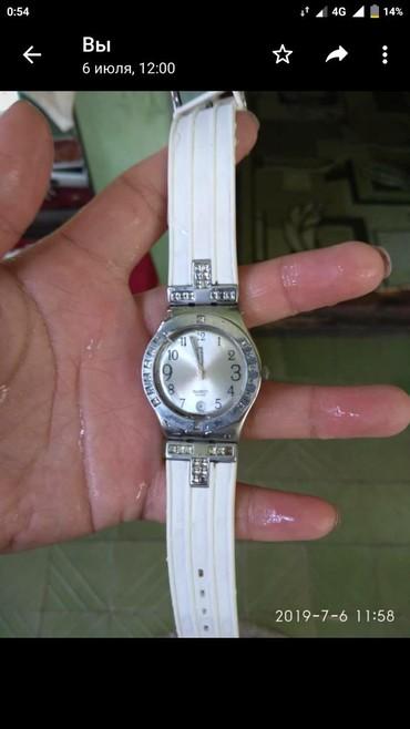 Аксессуары - Беловодское: Белые Женские Наручные часы Swatch