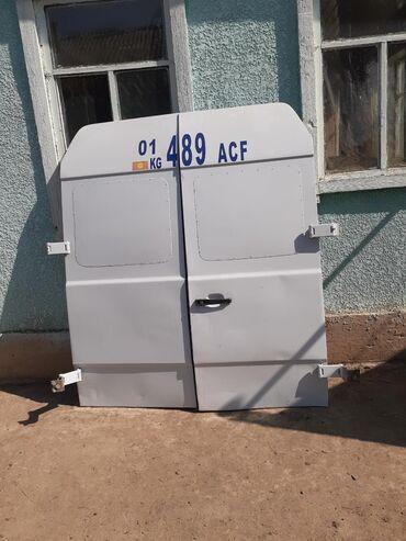 бус в Кыргызстан: Задний двери на бус сапог